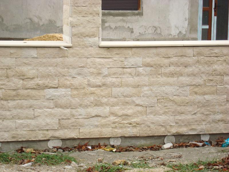 PiatraDobrogeana.ro - Piatra Dobrogeana - piatra naturala, obiecte decorative din piatra, seminee   natural stone